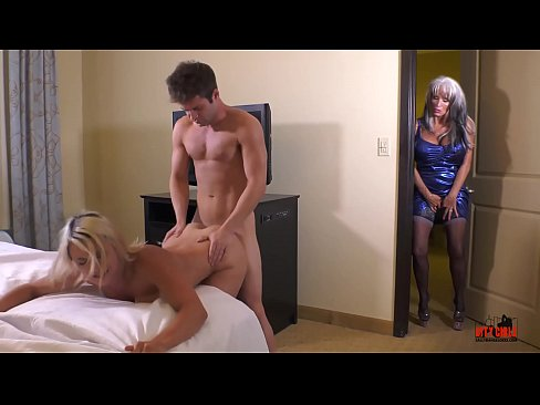 nn young gurl swallow