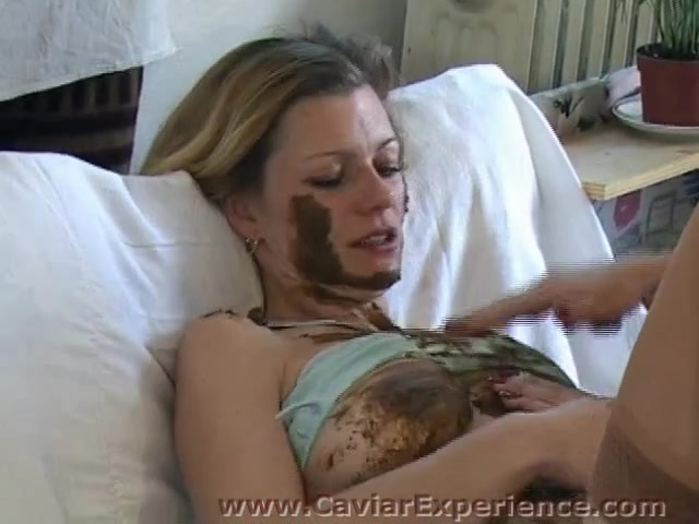 tight shaved young pussy close up pics